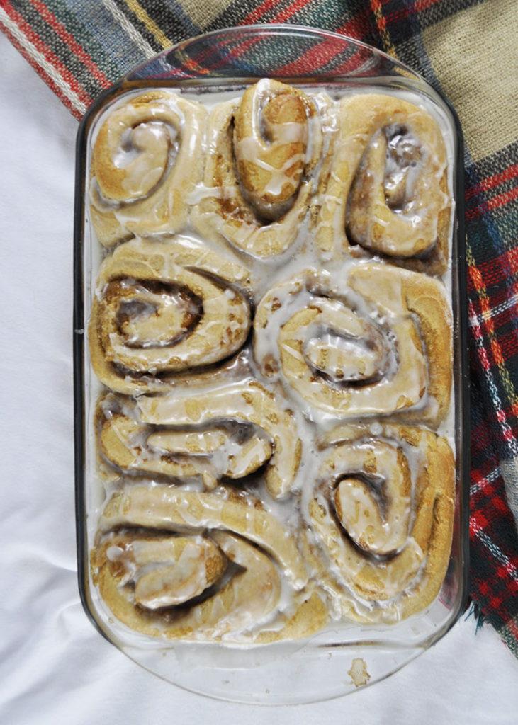 Vegan cinnamon rolls in pan