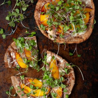 goat cheese pita pizza