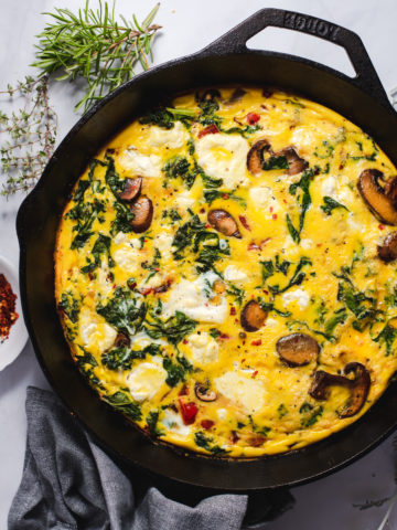 Frittata in black cast iron pan