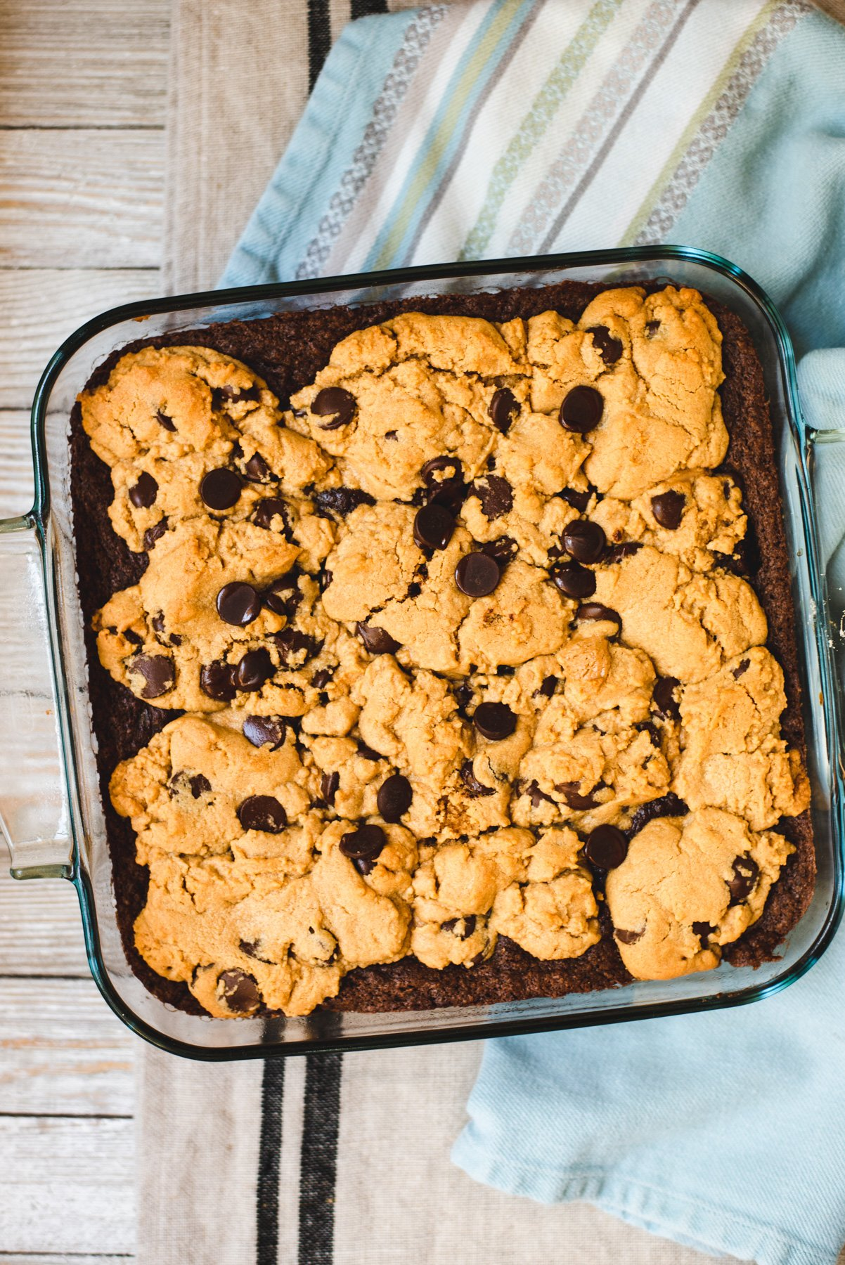 Glass pan filled with baked peanut butter brookies